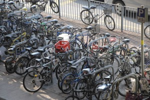 Cycling seems on the rise in Hong Kong, and it becomes increasingly difficult to find a free spot to park your bike, before boarding the Transit system
